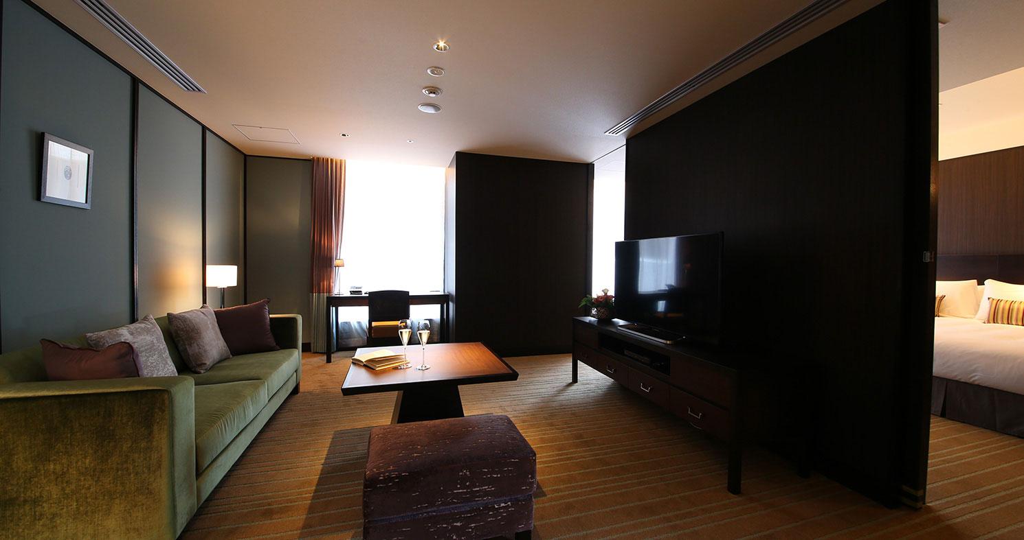 Semi Suite 2